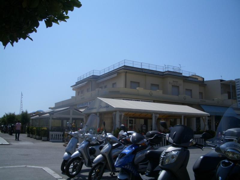Progetto bagno paradiso viareggio 2000 studio di - Bagno milano viareggio ...